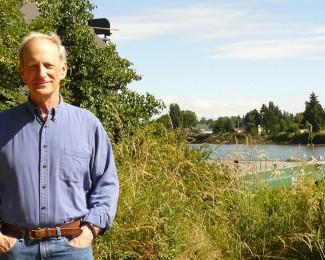 Denis Hayes, Fundación Bullitt, Fundador del Día de la Tierra